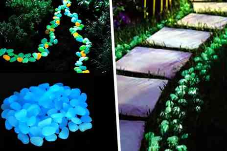 Ckent - Set of 100 glow in the dark pebbles with solar charge - Save 74%