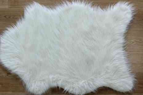 Groupon Goods Global GmbH - Faux Sheep Skin Rug in Choice of Colour - Save 0%
