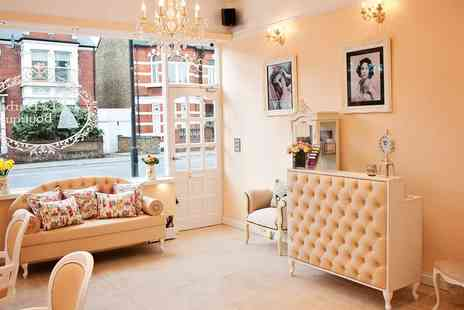 La Durbin Boutique - Fulham 60 Min Spa Treat with Massage & Facial - Save 64%