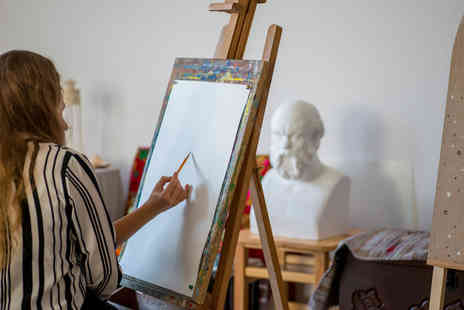 Frui - Full day sketching for the scared beginners workshop at the V&A museum, or art for the advanced workshop - Save 61%
