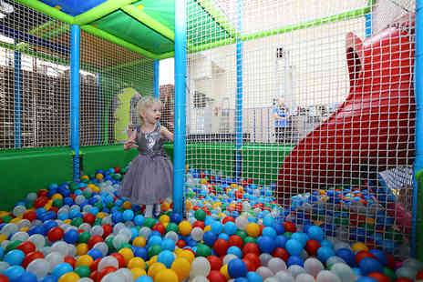 Mister Twisters - Soft play entry for up to three children or with highropes access - Save 66%