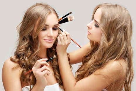 AGL Make Up & Beauty Academy - Three hour MAC makeup masterclass - Save 62%