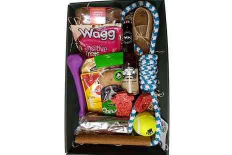 Broughty Ferry - Christmas Dog, Cat or Wild Bird Hamper at Pet Mate Pet Shops - Save 0%