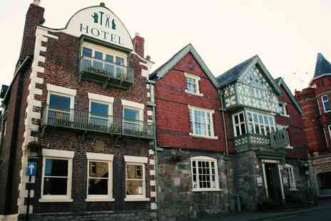 Guildhall Tavern - Overnight 16th century country inn break for two including breakfast and glass of Prosecco - Save 54%