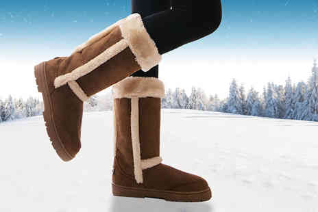 MY UL - Pair of chestnut arctic boots choose from six sizes - Save 66%