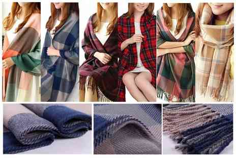 E&F Trading - Women's winter tartan scarf, choose from six colours - Save 83%