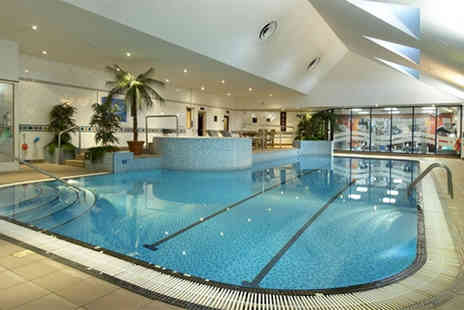 Hilton East Midlands Airport - Leisure day pass with sparkling afternoon tea for two - Save 0%
