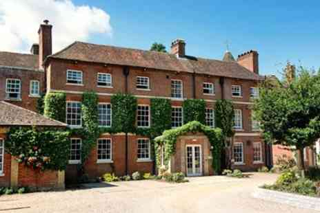 New Forest Hotel - New Forest 2 Night Stay with Dinner & Bubbly - Save 37%