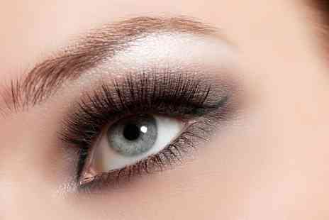 Fake It - Eyelash Extension Course - Save 76%
