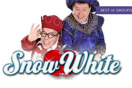 New Victoria Theatre - Snow White and The Seven Dwarfs Pantomime from the 4 to the 8 of January  - Save 29%