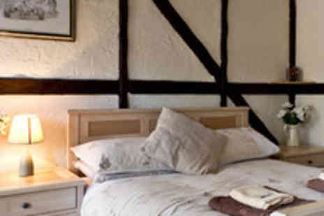 The Barley Mow - Night's B&B for 2 at The Barley Mow in Oxted, including a 3 course dinner - Save 50%