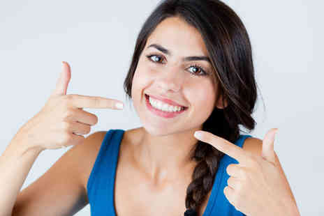 VidaDent Dental Practice - Full dental check up, two X rays and a polish - Save 76%