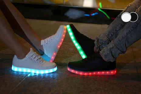 Kequ World - Pair of light up LED trainers choose either black or white - Save 83%