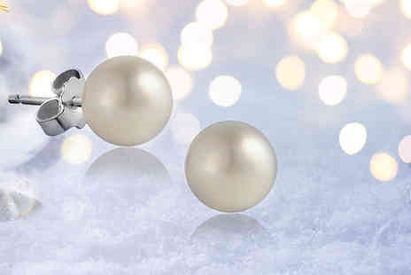 The Gemseller - Freshwater pearl stud earrings - Save 93%