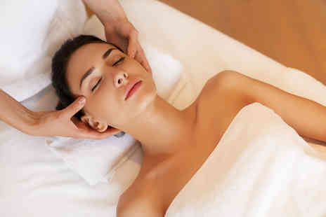 Elite Body Clinic - Christmas beauty pamper package - Save 70%