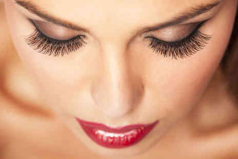 House of Beauty - Full set of semi permanent eyelash extensions - Save 71%