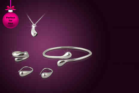 Alvis Fashion - Platinum plated quad jewellery set including a necklace, bracelet, earrings and a ring - Save 88%