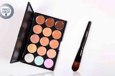 Groupon Goods Global GmbH - LaRoc 15 Shade Contour Palette with Brush Set - Save 0%