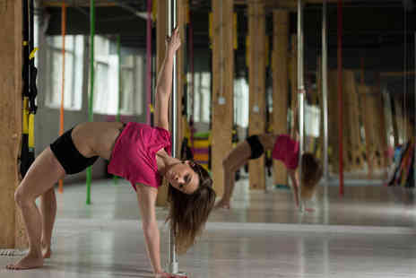 Kelechnekoff Fitness - Five or eight beginners pole dance classes - Save 75%