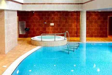 Reeds Health Club - Derbyshire Spa Day including Massage, Facial & Lunch - Save 20%