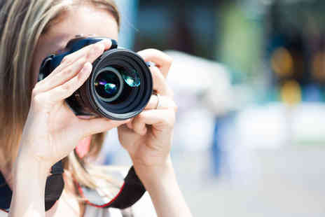 PhotoSchool London - Three PhotoWalks around London with a professional photographer - Save 53%