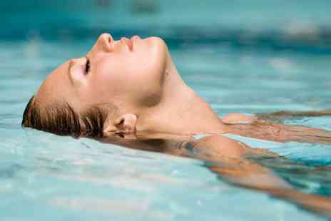 Queensgate Hotel - One Hour Floatation Experience with Refreshments and Optional Facial - Save 31%