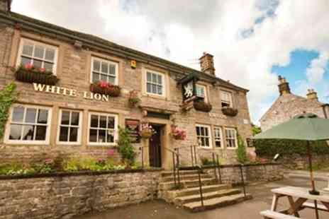 The White Lion - Two Courses & Bubbly for 2 - Save 45%
