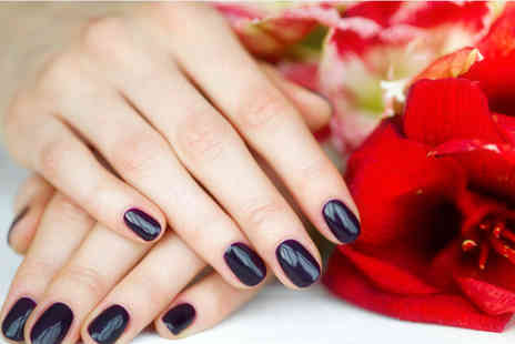 Bea Beautiful - Mirror nails manicure with bubbly and mince pies - Save 40%