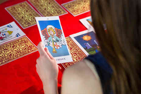 Suzi Edwards - Online intuitive tarot card reading course - Save 92%