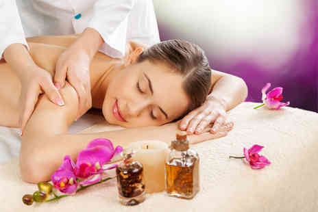 OM Holistic Therapies - Aromatherapy back, neck and shoulder massage and holistic facial - Save 62%