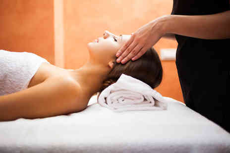 Aesthetics for You - Warming body wrap on one area and express facial - Save 72%