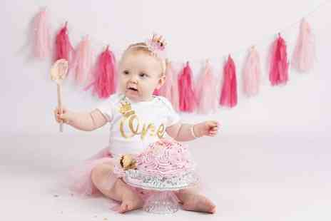 Matthew Grainger Photography - Cake smash photoshoot for babies & prints package - Save 88%