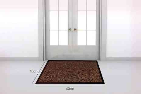 ViVo Technologies - Winter dirt grabber door mat choose from three sizes - Save 82%