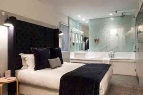 Leicester House - One or Two Nights for Two with Breakfast and Glass of Sparkling Wine - Save 0%