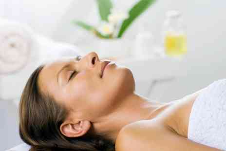 Polonia Hair&Beauty - Choice of One Hour Facial - Save 62%