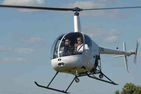 Flying Pig Helicopters - 30 Minute One to One Helicopter Flying Lesson - Save 50%