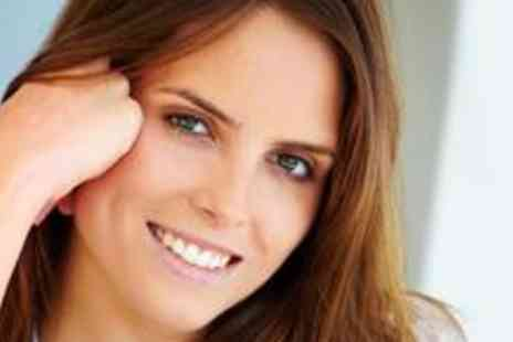 The Teeth Whitening Shop - Express teeth whitening session - Save 80%