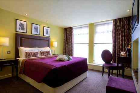 Hallmark Hotel Manchester - Overnight stay for two with three course dinner, breakfast, glass of fizz - Save 57%