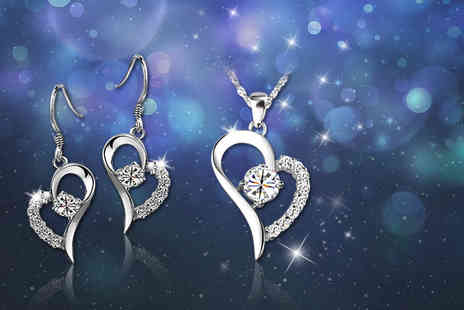 Your Ideal Gift - Crystal heart pendant and earring set - Save 91%
