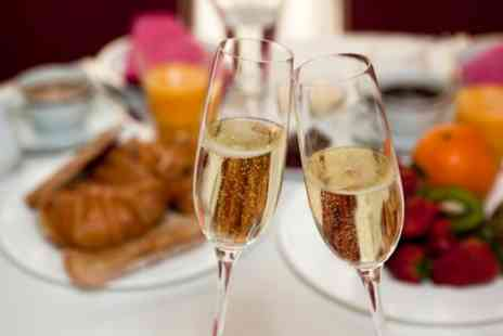 The Harbour Garden Cafe - Brunch with 90 Minutes of Bottomless Prosecco for Up to Four - Save 0%