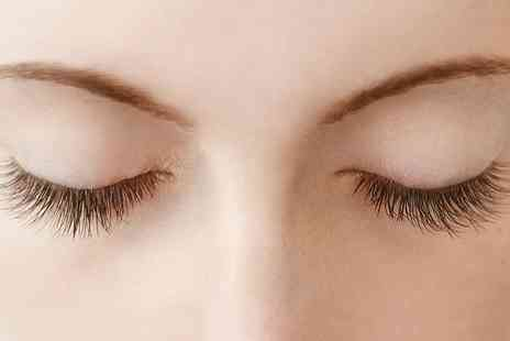 Style With Remi - Full Set of Eyelash Extensions - Save 59%