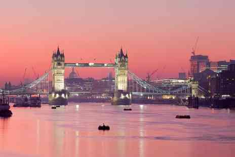Seasoned Events - Love Is In The Air Tower Bridge Experience with Champagne on 14 February - Save 0%