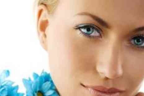 B Beautiful - Semi-permanent lashes and an eyebrow shape - Save 70%