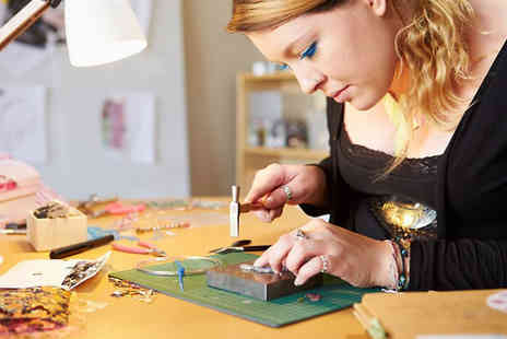 Centre of Excellence Online Limited - Online Jewellery Making Course - Save 91%