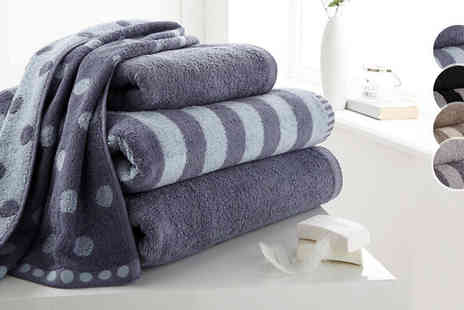 Gorgeous Selection - Polka Dot and Striped Hand and Bath Towels - Save 63%