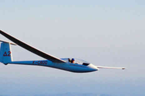 Glide Sport UK - 30 Minute Gliding Taster Lesson & 10 Week Membership - Save 51%