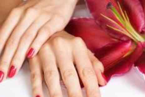 Nail Lounge Training Academy - Shellac manicure - Save 70%