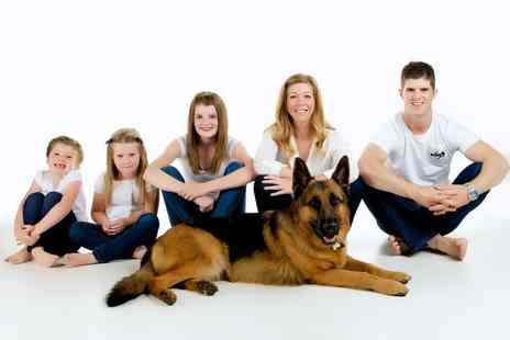 Studio Q - One hour pet photoshoot for up to 10 people including five prints - Save 89%