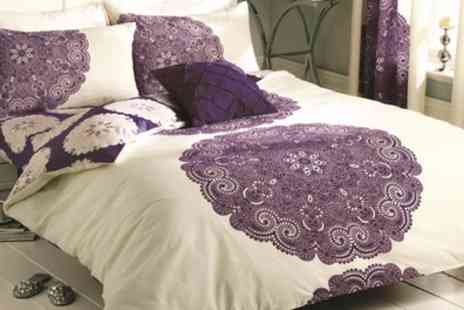 Groupon Goods Global GmbH - Reversible Floral Manhattan Duvet Set - Save 53%