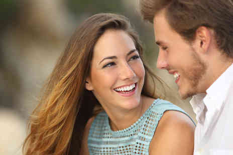 Glamour Smile Clinic - Zoom teeth whitening treatment including a consultation for one - Save 84%
